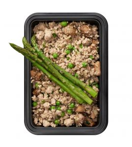 Dirty Boy: Sautéed lean ground turkey tossed with mushrooms, peas, and onions, served with a side of steamed asparagus.
